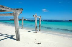 White sandy beach and pristine water in Hamelin Bay, Western Australia