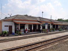 Stasiun Kereta Cikarang - Cikarang Train Station