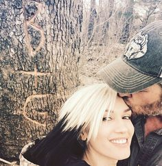 Pin for Later: Gwen Stefani Shows Her Love For Blake Shelton on Social Media May 2016