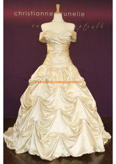 Wunderschönes Extravagantes Brautkleid 2013 aus Taft