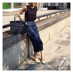 成松朋実:先日のコーデ☺︎今年のカゴバッグはSEAのカゴバッグに♡私はネイビーにしました!…|BAILA(バイラ)