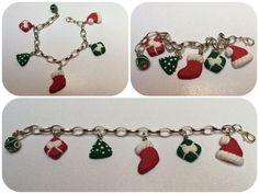 Bracciale di catena alluminio con ciondoli natalizi, fatto a mano in pasta sintetica.
