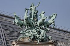 Baroque, Expansion Joint, Palace Of Fine Arts, Historical Monuments, Horse Sculpture, Grand Palais, Champs Elysees, Paris France, Statue Of Liberty