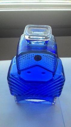 Helena Tynell Isoäiti Yves Klein Blue, Tom Of Finland, Glass Design, Cobalt Blue, Glass Bottles, Glass Art, Nostalgia, Blues, Sculptures