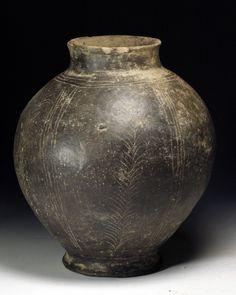 An Etruscan Bucchero Olla