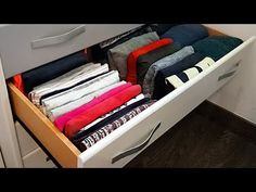 👕 Piega i vestiti MEGLIO di Marie Kondo [Metodo IRENE 😮] - YouTube Home Organization Hacks, Closet Organization, Towel Crafts, Marie Kondo, Clothing Hacks, Useful Life Hacks, Home Hacks, Diy For Teens, Storage Spaces