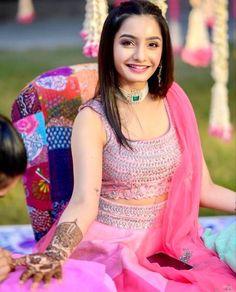 Outfit: Mrunalini Rao | Pink lehenga for brides | Mehendi outfit inspiration | #bridetobe #indianbride #indianwear #mehndi #lehenga #trendingnow #bridalinspiration #weddinginspiration #happiness Mehendi Outfits, Pink Lehenga, Yellow Dress, Mehndi, Girl Pictures, Blouse Designs, Bride, Indian Saris, Beautiful