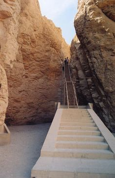 The way up to the entrance of Tuthmosis III tomb in a remote corner of the Valley of the Kings, Egypt. NANCY CHUANG PHOTOGRAPHY - travelogues // Walking with Kings in Luxor // West Bank