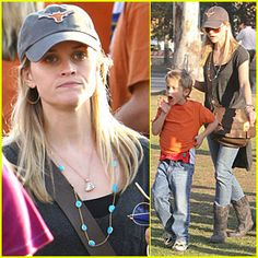 Reese Witherspoon - University of Texas Ut Longhorns, University Of Texas, March Madness, Reese Witherspoon, In The Heart, Celebs, Celebrities, Austin Texas, Fans