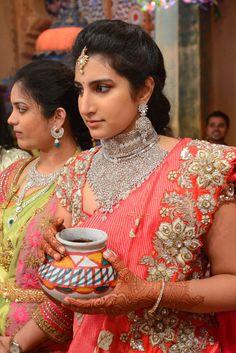 varun d jani jewellery designs Pattu Saree Blouse Designs, Bridal Blouse Designs, Wedding Saree Collection, Bridal Collection, Saree Photoshoot, Indian Wedding Outfits, South Indian Bride, Fancy Sarees, Beautiful Saree