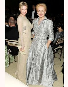 Carolina Herrera in silver gown with pockets! Mature Fashion, 50 Fashion, Fashion Over, Look Fashion, Womens Fashion, Fashion Design, Fashion Weeks, Milan Fashion, Carolina Herrera Dresses