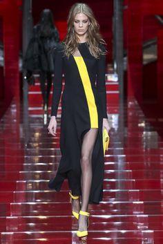 Versace (FW 2015-16) #MFW #weddingguest #vestidodefiesta #vestidosinvitadas #tendenciasdebodas
