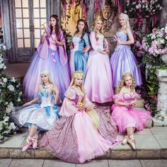 This image depicts several of the original Barbie movie characters. These cosplayers are quite talented, amazing to see them all together! Amazing Cosplay, Best Cosplay, Cosplay Outfits, Cosplay Costumes, Halloween Costumes, Teen Costumes, Woman Costumes, Pirate Costumes, Group Costumes