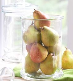 Key to Simplicity        Displaying one object en masse is an eye-catching and easy decorating strategy. Fill clear glass apothecary jars with a fall fruit, such as pears or apples, to grace your Thanksgiving table. Once the holiday is over, the fruit can be removed and the jar repurposed for your next decorating idea.