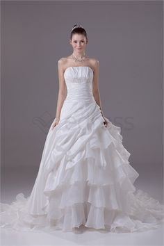 Ivory Spring/ Fall Court Train Organza Zipper-back Wedding Dress http://www.SzWedress.com/Ivory-Spring-Fall-Court-Train-Organza-Zipper-back-Wedding-Dress-p19318.html