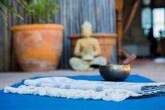 Auch beim Yoga kann man ein Hamamtuch gut gebrauchen. Yoga, Organic Gardening, The Last Song, Grey, Cotton, Yoga Sayings