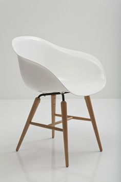 Kuipstoel on pinterest 27 pins on eames chairs art for Eames schalenstuhl