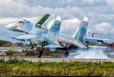 SU27 #su27 #RussianAirForce #AirForce #RussianArmy #Army Luftwaffe, War Jet, Russian Air Force, Sukhoi, Military Aircraft, Military Vehicles, Fighter Jets, World, Travel