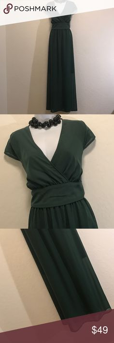 👗Green Formal Dress👗 Never Worn, Lined, Back Zipper, Brand Unknown, Sheer Overlay, V-neck, Perfect for any Party, Wedding,  🎉. Unknown Dresses Wedding