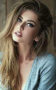 Things Girl do that men like - Beauty Women Most Beautiful Faces, Beautiful Women Pictures, Beautiful Girl Image, Beautiful Eyes, Top 10 Beautiful Women, Beautiful Females, Dead Gorgeous, Brunette Beauty, Brunette Girl