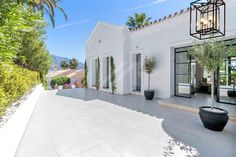 Villa in Brisas del Golf, Nueva Andalucia. Beautiful recently renovated villa located on the golf valley in Las Brisas, Nueva Andalucia. Solar Heating Panels, Spanish Modern, Real Estate Photographer, Garden Design Plans, Spanish Style Homes, Cinema Room, Mediterranean Homes, Andalucia, Luxury Living
