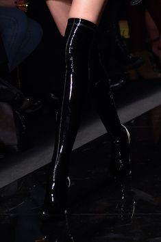 Emanuel Ungaro Fall 2015 - Details Emanuel Ungaro at Paris Fashion Week Fall 2015 - Runway Photos Dr Shoes, Cute Shoes, Me Too Shoes, Shoes Heels, Dark Fashion, Fashion Shoes, Fashion Outfits, Latex Fashion, Fashion Weeks