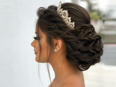 Quince Hairstyles, Indian Wedding Hairstyles, Bride Hairstyles, Bridesmaid Hairstyles, Indian Bridal Hair, Bridesmaid Hair Down, Simple Bridal Hairstyle, Quinceanera Hairstyles, Wedding Hair Inspiration
