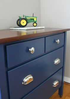 Navy Blue Dresser Bedroom Furniture - Modern bedroom tips are with, many and today every one seeking to make their bedroom Kids Dresser Painted, Boy Dresser, Kids Dressers, Painted Bedroom Furniture, Furniture Makeover, Diy Furniture, Furniture Stores, Vintage Furniture, Furniture Websites