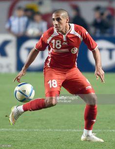tunisian-striker-wahbi-khazri-controls-a-ball-during-a-friendly-picture-id461417604 (791×1024)