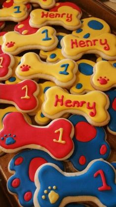 Throw an exceptional get-together for your children's birthday party with these 7 fascinating paw patrol party ideas. The thoughts must be convenient to those who become the true fans of Paw Patrol show. Paw Patrol Cupcakes, Paw Patrol Birthday Cake, Paw Patrol Cake, Puppy Birthday Parties, Birthday Cookies, Birthday Fun, Cake Birthday, Birthday Ideas, Paw Patrol Christmas