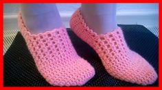 Çeyizlik Şık Bayan Patik Modeli Sesli Anlatımlı Crochet Bedspread, Baby Blanket Crochet, Crochet Baby, Knit Crochet, Crochet Slipper Pattern, Crochet Shoes, Knitted Booties, Knitted Slippers, Baby Knitting Patterns