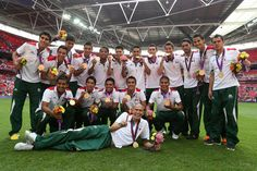 Mexico win Olympic gold defeating Brazil in the men's Football final with two goals by Oribe Peralta Olympic Football, Football Final, Olympic Games, Men's Football, Mexico Olympics, Summer Olympics, Mexico Vs Brasil, Brazil, Olympic Winners
