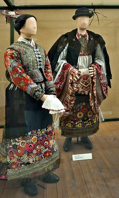 """Hungarian Embroidery Couple from Matyó, Mezőkövesd, Borsod county - shit I was so afraid of these faceless dummies as a kid - @ Ethnographical Museum"""" Budapest Hungarian Embroidery, Learn Embroidery, Embroidery Patterns, Folk Costume, Costumes, Tribal Mode, Bohemian Culture, Man Skirt, Bohemian Blouses"""