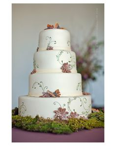 perfect cake for an enchanted wedding!