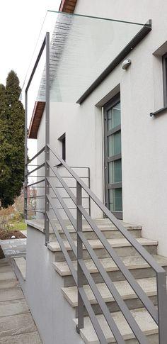 Shieldblock Vordach mit Stahlgeländer Kombination. Stairs, Home Decor, Glass Roof, Porch Roof, Ladders, Homemade Home Decor, Stairway, Staircases, Decoration Home
