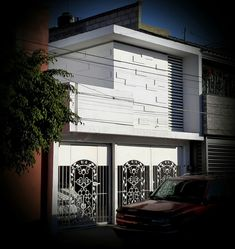 FACHADA CASA DD Garage Doors, Outdoor Decor, Home Decor, Interiors, Decoration Home, Room Decor, Home Interior Design, Carriage Doors, Home Decoration