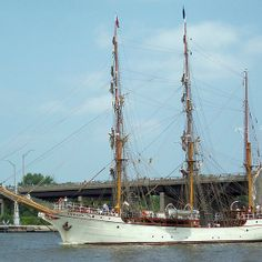 Europa - Parade of Sails - Europa in the Parade of Sails (2010), the official entrance of the Tall Ship fleet to start the Tall Ships Celebration in Bay City (Bay County), Michigan, US. Here, the ship has passed through Independence Bridge (a bascule bridge or drawbridge), visible in the background, heading up the Saginaw River towards Bay City.