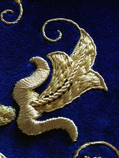 Goldwork Embroidery on Velvet. Cristina Badillo is an embroiderer in Spain who creates fantastic pieces of embroidery featuring gold and other metal threads. I've gotten to know her work through her blog, Barroco Siglo XXI, or 21st Century Baroque, and through following Cristina on Facebook, where she posts gorgeous close ups of her work.
