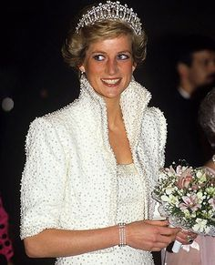 PRINCESS DIANA of Wales -- in WHITE  _____________________________ Reposted by Dr. Veronica Lee, DNP (Depew/Buffalo, NY, US)