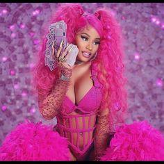Nicki Minaj Outfits, Nicki Minaj Barbie, Nicki Manaj, Nicki Minaj Wallpaper, Pink Wallpaper, Nicki Minaj Videos, Nicki Minaj Pictures, Colourful Outfits, Colorful Fashion