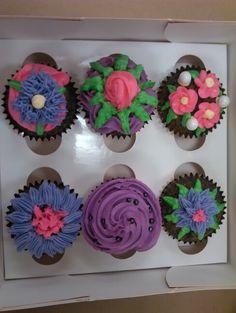 Wilton Course 1 cupcakes