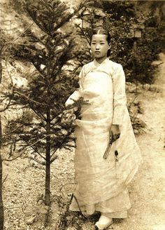 Vintage Photographs, Vintage Photos, Korean Photo, Korean Hanbok, Korean Traditional, The Old Days, Orient, Historical Photos, South Korea