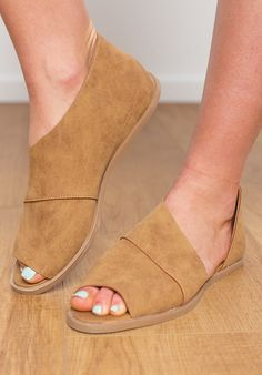 Sting Open Toe Flat - Cognac