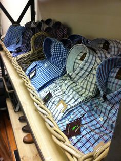tailor byrd men's button downs. we love the tailored fit & contrasting cuff & color detail.