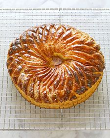 Be prepared to be wowed when you take your Pithiviers out of the oven: From the golden-brown sheen of its decorative top to the intoxicating almond aroma emanating from its frangipane center -- this cake just might become your new favorite.