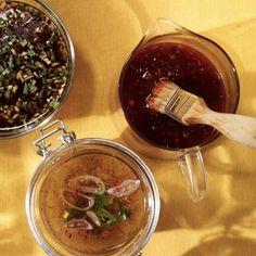 Des sauces pour les grillades - Châtelaine Sauce Barbecue, Bbq, Sauces, Dehydrator Recipes, Sauce Recipes, Pesto, Chocolate Fondue, Dips, Alcoholic Drinks