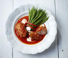 Paprikás báránymadárka zsenge zöldbabbal - Magyarkonyha Risotto, Ethnic Recipes, Food, Red Peppers, Eten, Meals, Diet