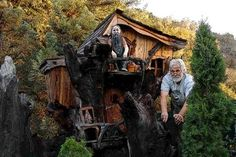 Steve Blanchard's Chainsaw Tiny Houses   Tree house by Master Carver Steve Blanchard (with a chainsaw)