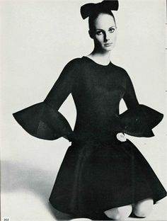 Model Suzy Smith in Balenciaga, 1968. Photographed by Tony Kent for Vogue Paris.