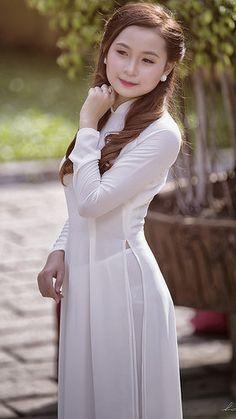 Mong manh   hot ao dai Viet   Flickr